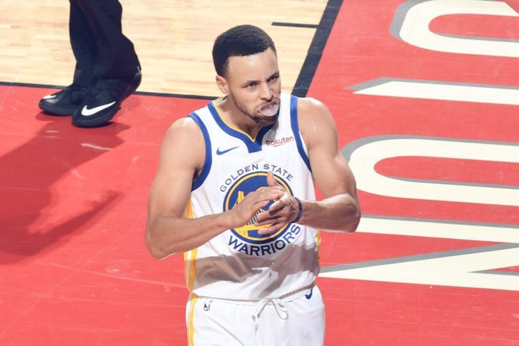 NBA: Warriors evitan ser barridos por los Rockets