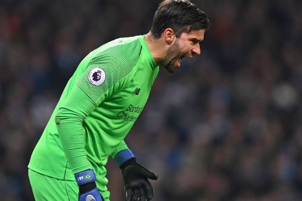 Alisson se adapta al Liverpool