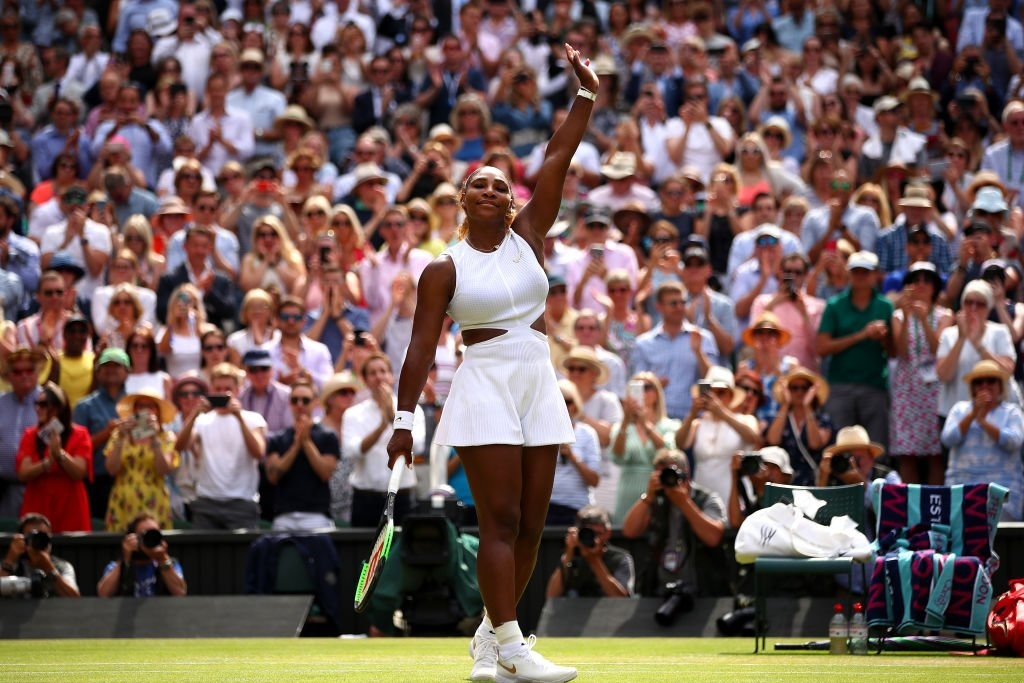 Serena Williams ante Simona Halep en final de Wimbledon