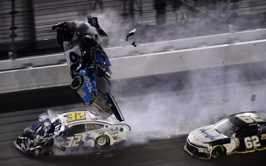 Terrible accidente en las 500 millas de Daytona (VIDEO)