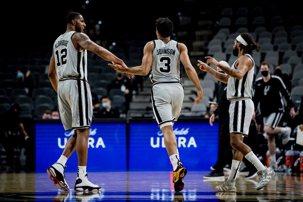 NBA: Spurs supera a los Celtics