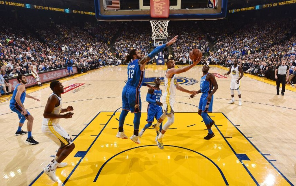 NBA: Warriors comienzan temporada ganando
