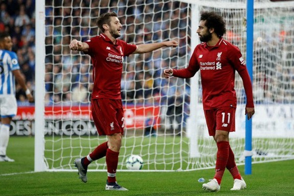 Liverpool gana mantiene pelea con el City en Premier League