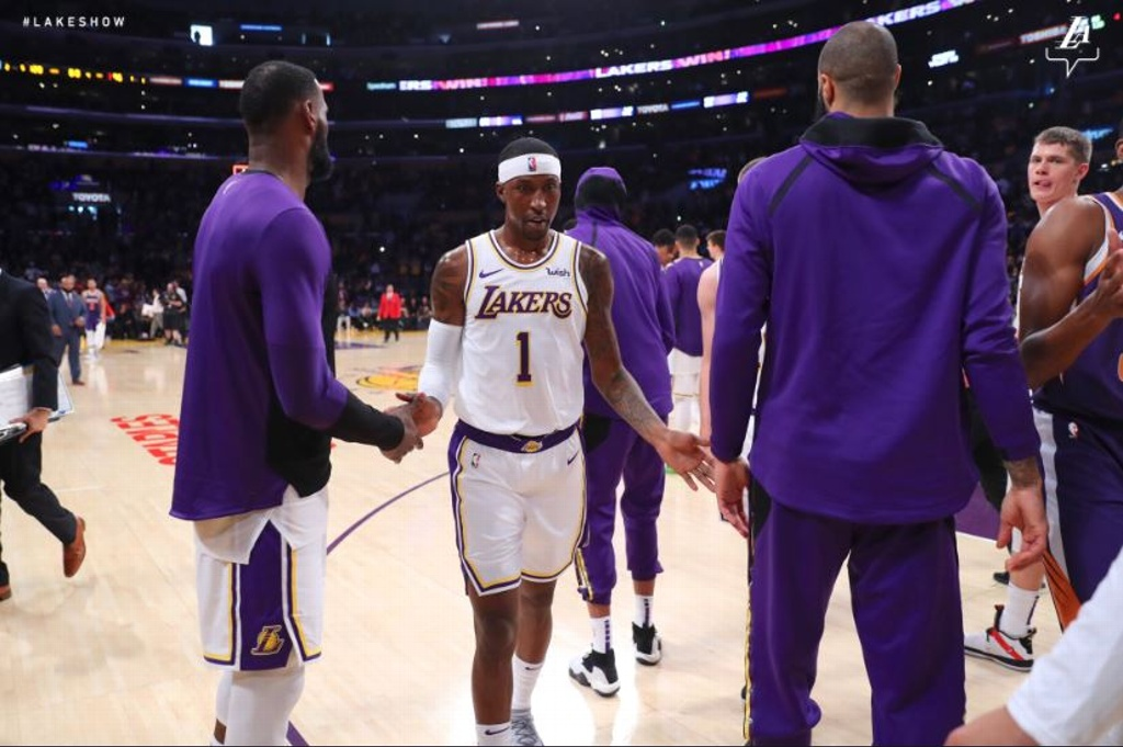 NBA: Lakers supera con facilidad a Suns