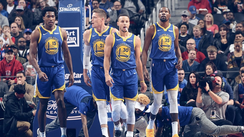 NBA: Curry lleva a la victoria a Warriors