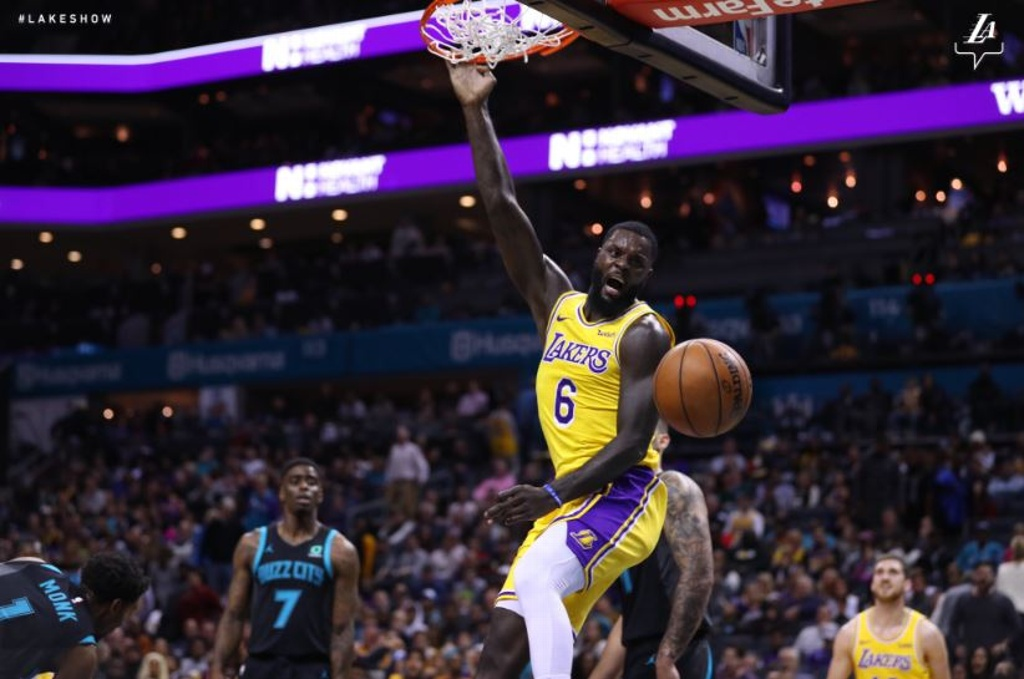 NBA: Paliza de Lakers sobre Hornets