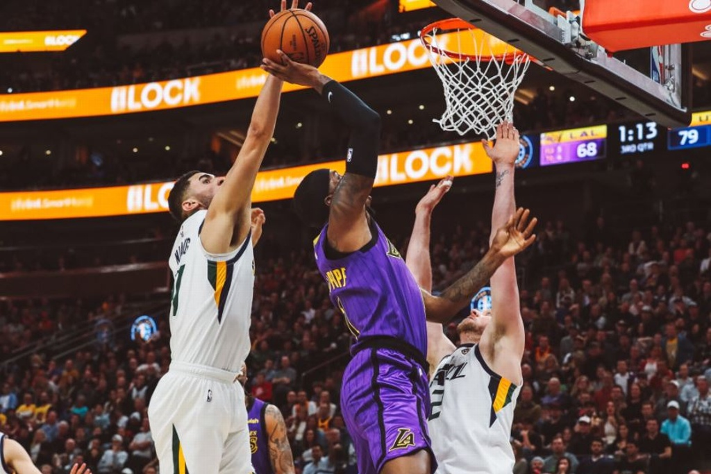 NBA: Jazz castiga a los Lakers