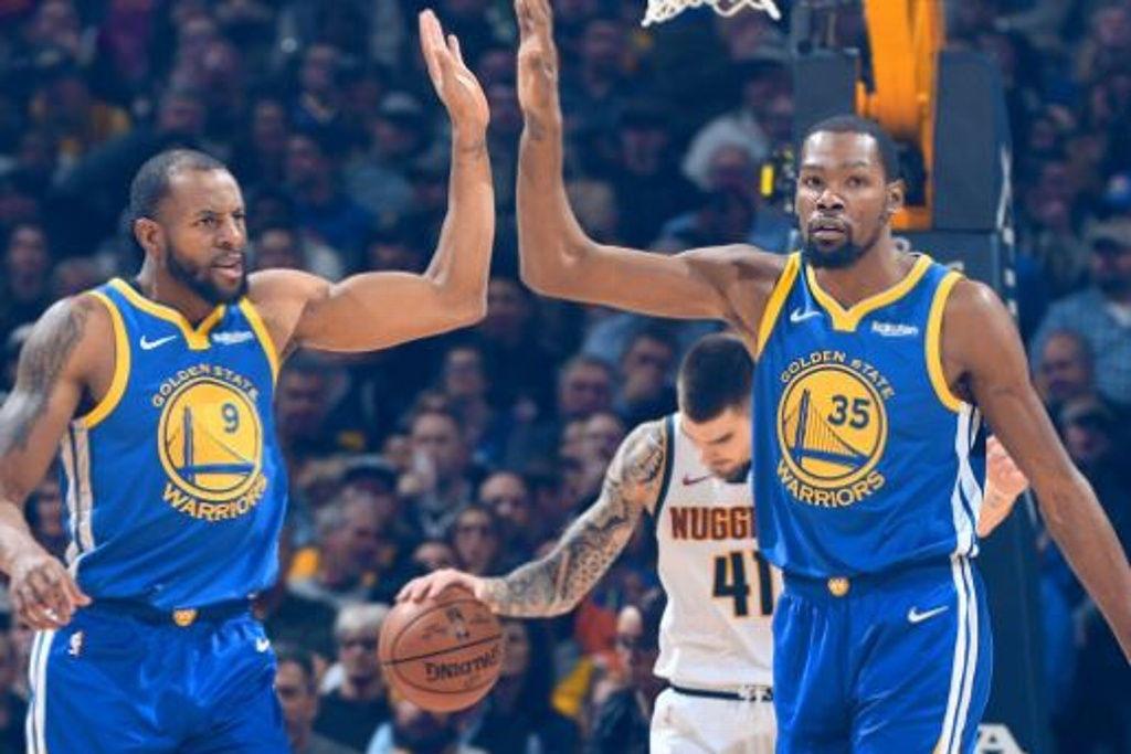 NBA: Warriors vencen a Nuggets y recuperan primer lugar