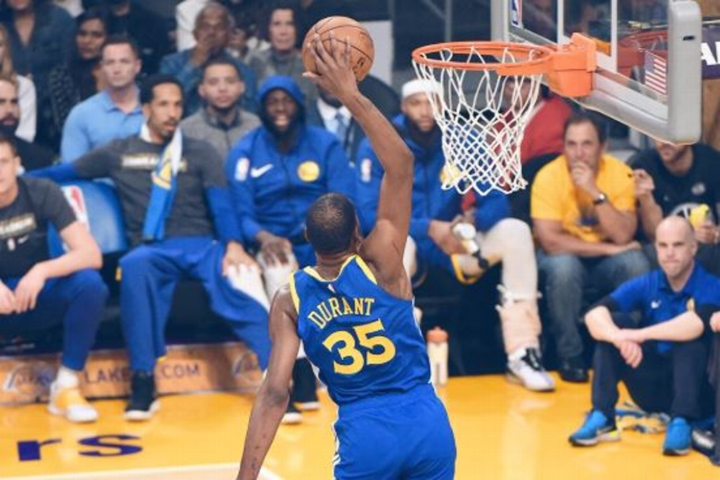 NBA: Warriors tunden a los Lakers