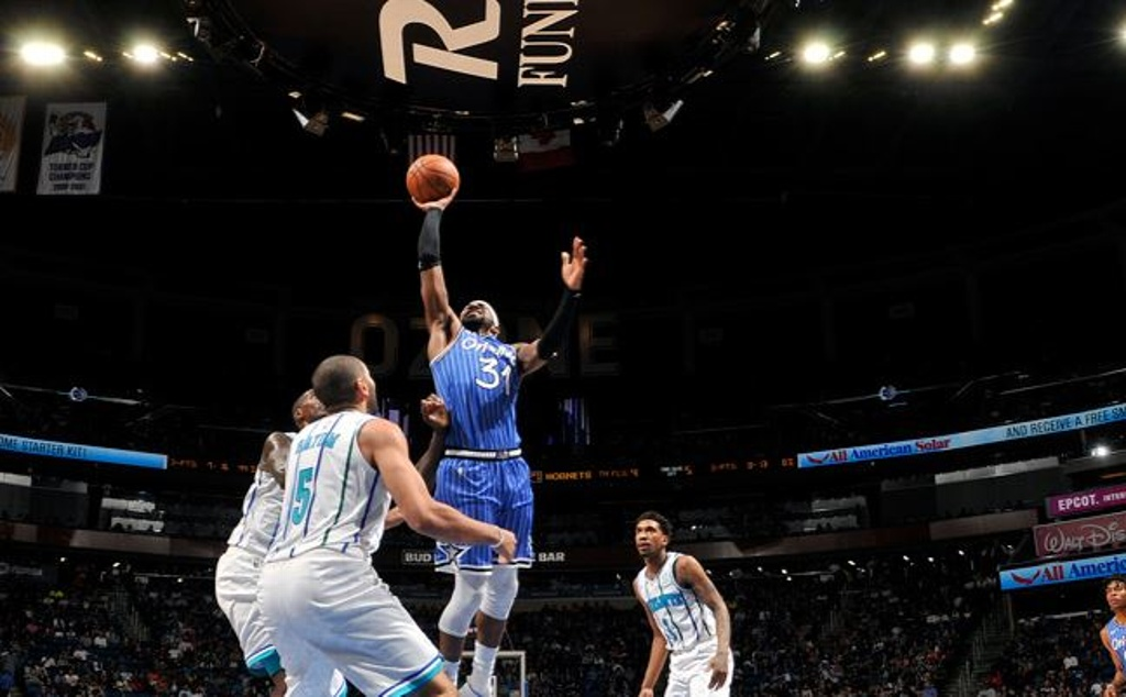 NBA: Magic domina a los Hornets