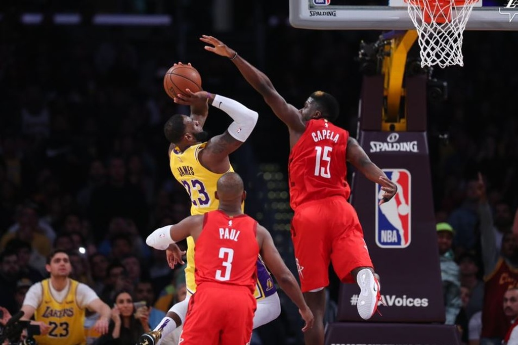 NBA: Lakers sorprenden y vencen a los Rockets