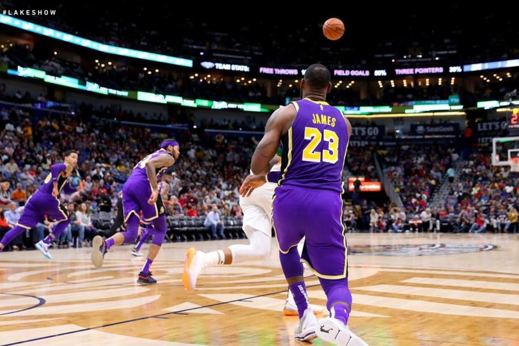 NBA: Lakers complica su camino a los playoffs
