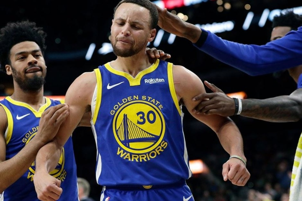 NBA: Curry llega a tres temporadas con 300 triples