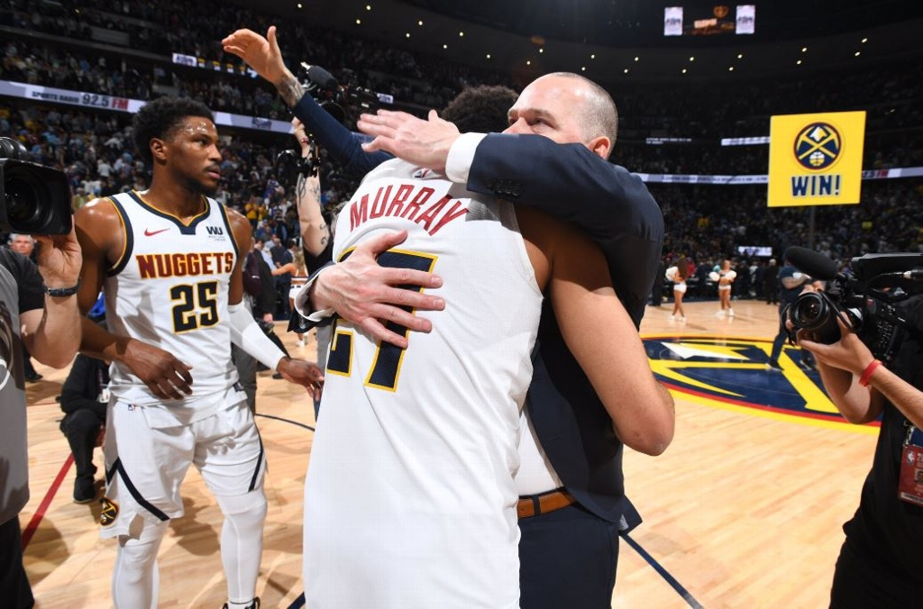 NBA Playoffs: Nuggets remontan y vencen a los Spurs