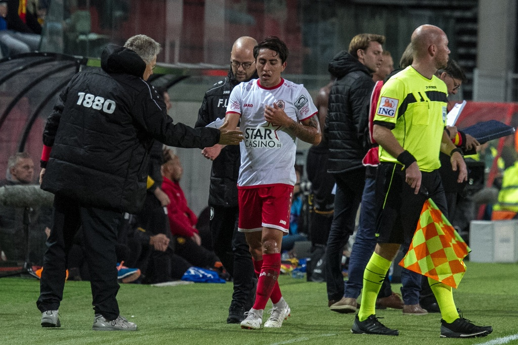 Royal Antwerp con Omar Govea, cae ante Gent y se aleja de Europa League