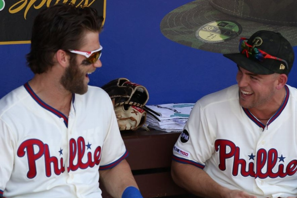 MLB: Phillies aguantan para vencer a los Cubs
