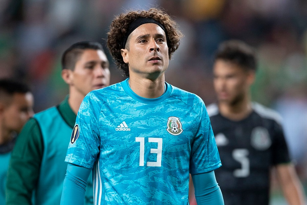 ¡Memo Ochoa jugó la final de Copa Oro lesionado! (VIDEO)