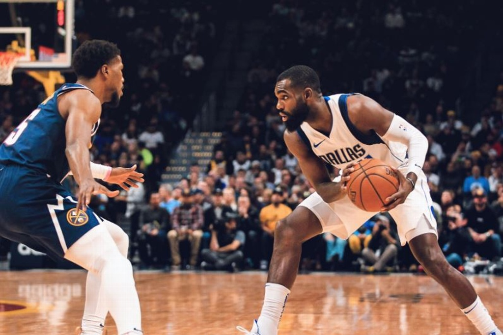 NBA: Mavericks sorprenden y vencen a los Nuggets