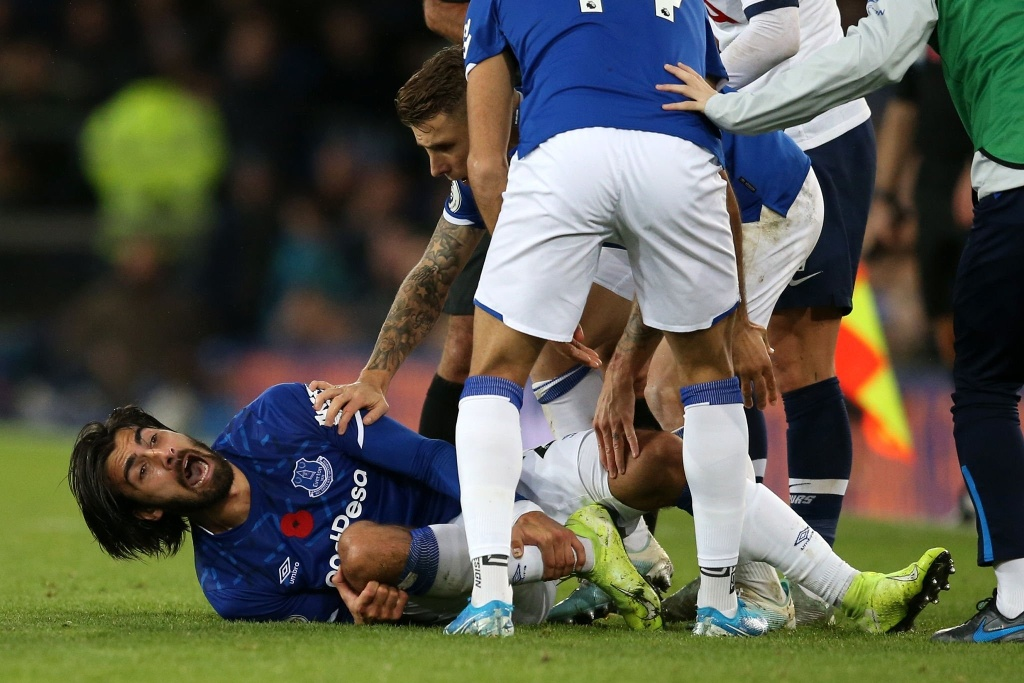 Terrible fractura de Andre Gomes en la Premier League (VIDEO)