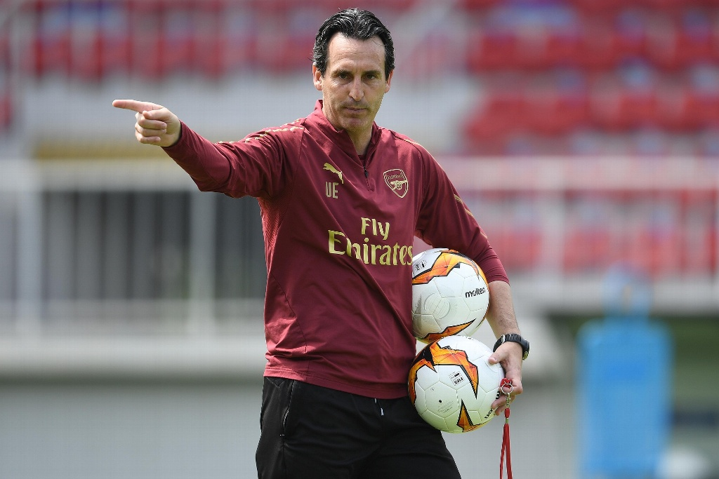 Directiva del Arsenal ratifica a Unai Emery como DT