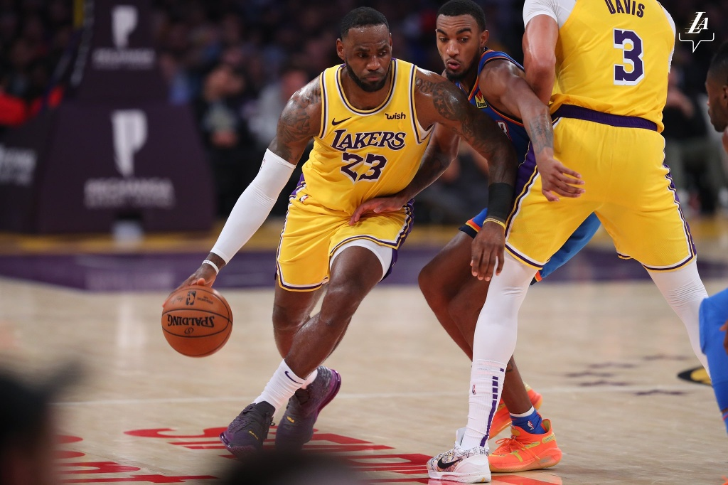 NBA: Lakers triufan sobre el Thunder