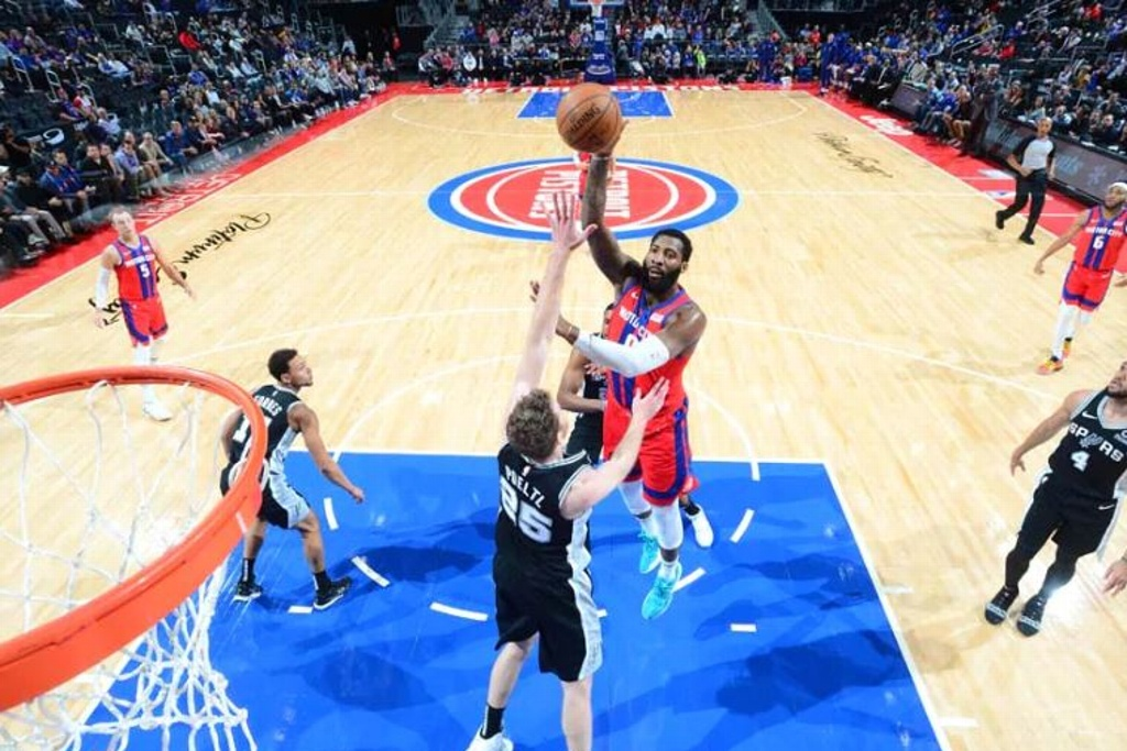 NBA: Pistons supera a los Spurs