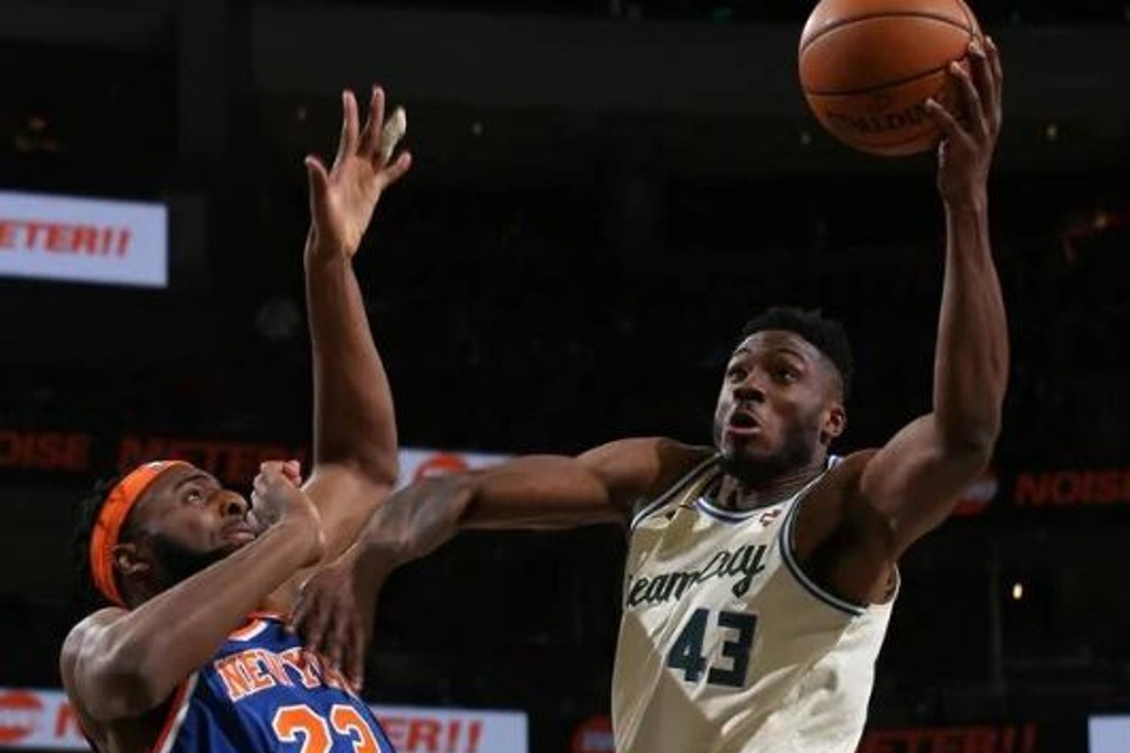 NBA: Bucks triunfan y siguen camino a Playoffs