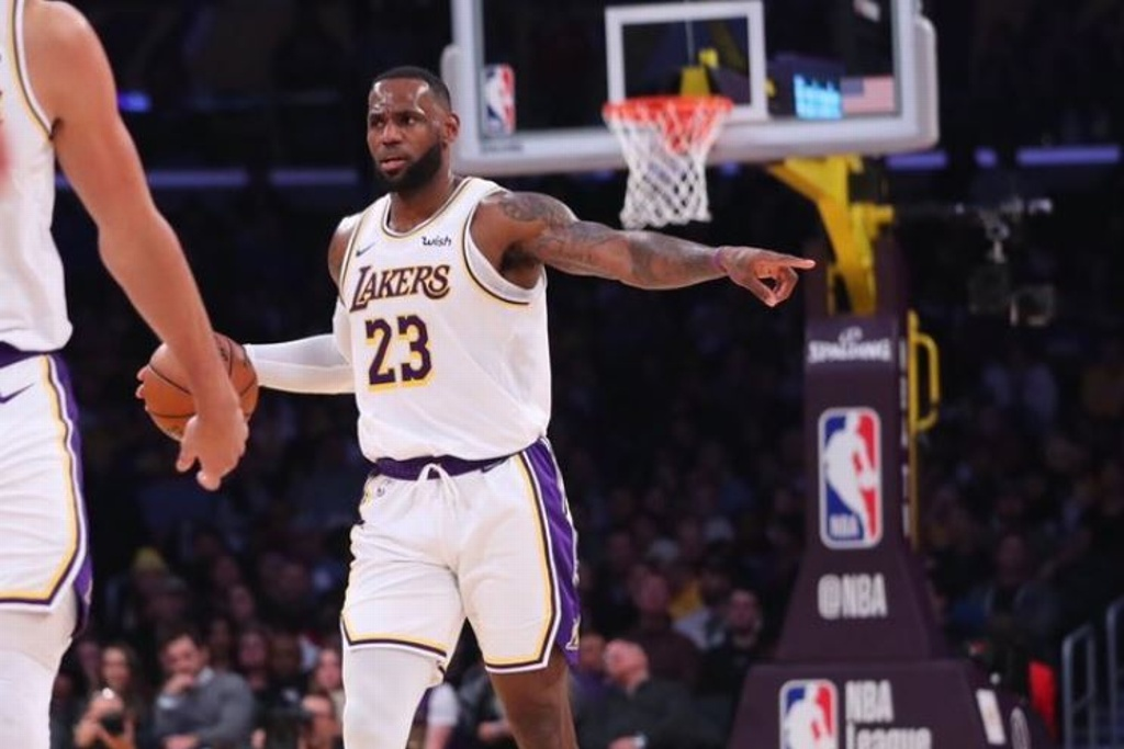NBA: Lakers mandan y vencen a los Mavericks