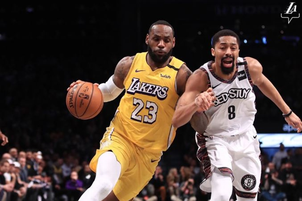 NBA: LeBron James guía triunfo de los Lakers sobre  Nets