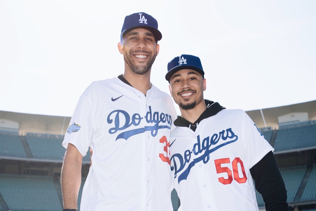 Dodgers de Los Ángeles presentan a Mookie Betts y David Price
