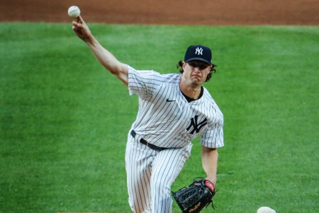Yankees dominan a los Phillies y alargan racha ganadora