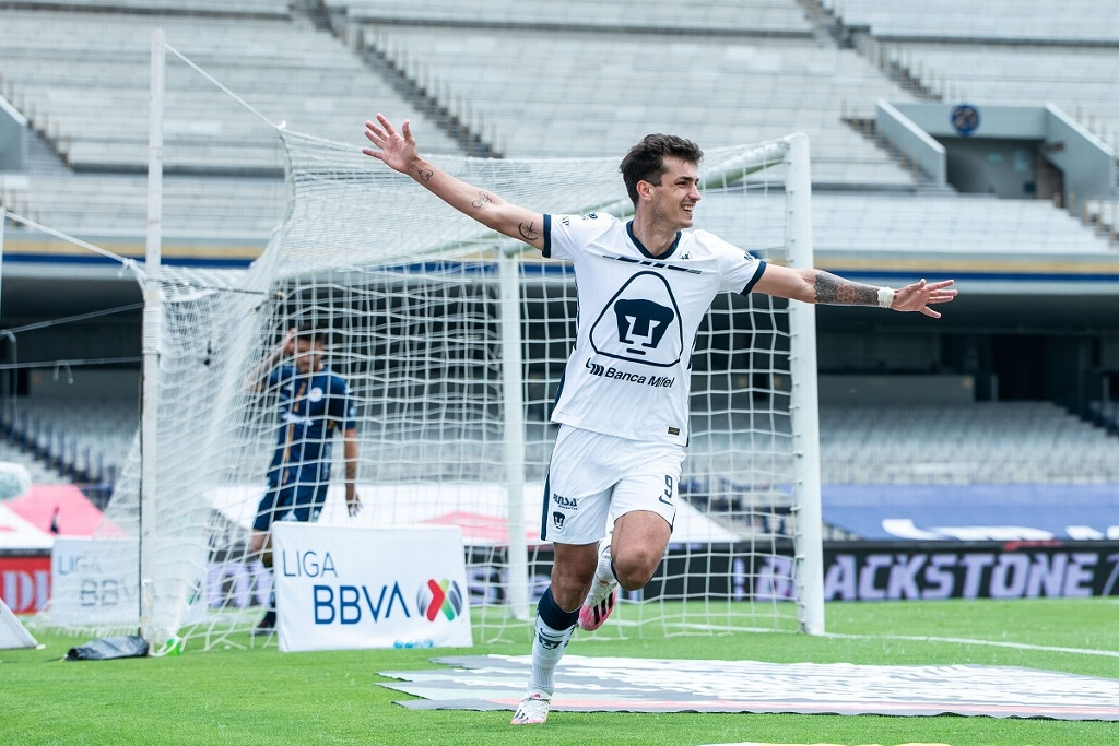 Pumas sigue invicto y es líder general