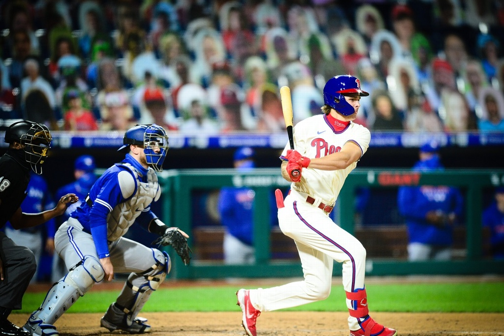 Phillies barren a Toronto en doble tanda
