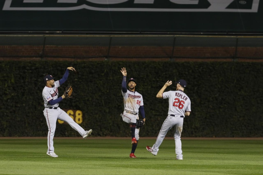 Twins ganan serie a los Cubs