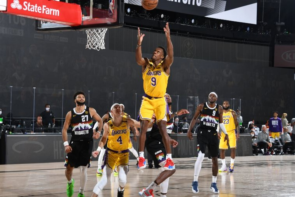 Lakers a un juego de la Final de la NBA