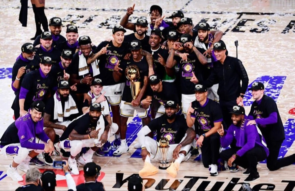 ¡Lakers domina a Miami Heat y conquista el título de la NBA!
