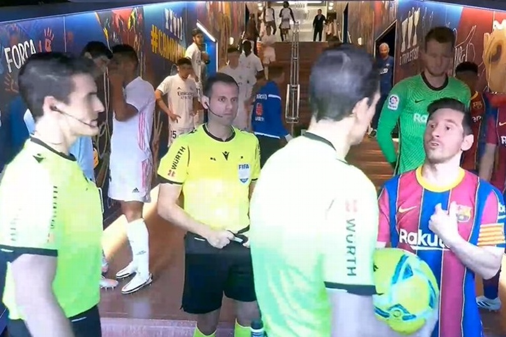 Messi encaró a árbitro en el túnel del Camp Nou (VIDEO)
