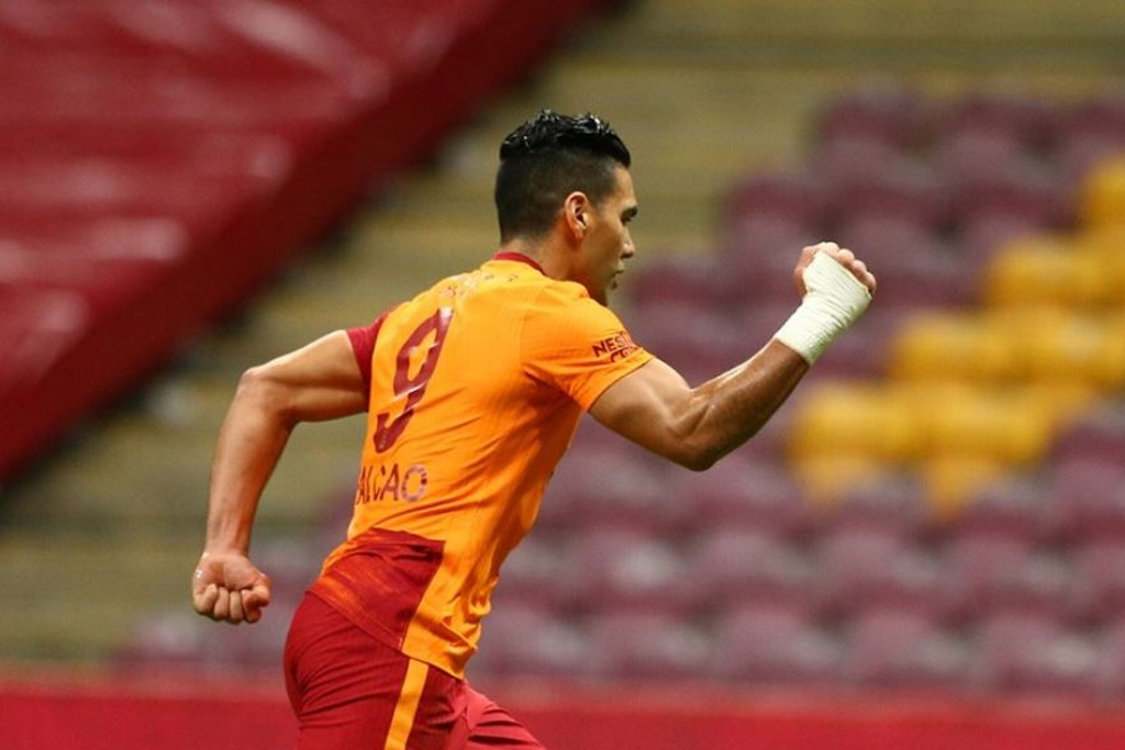 Falcao regresó con el Galatasaray