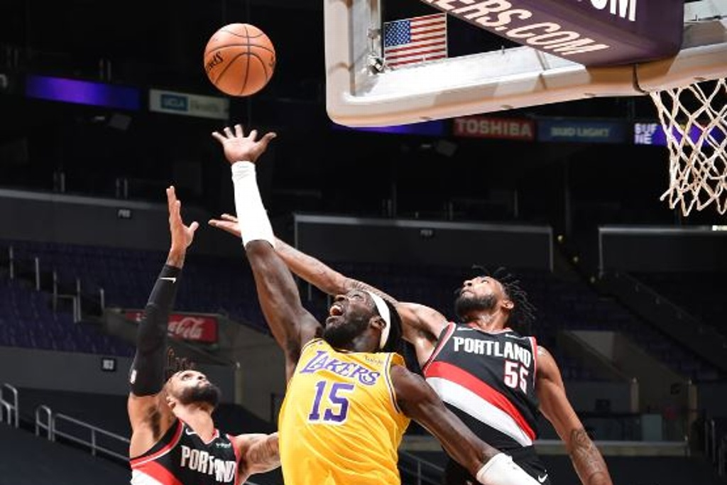 NBA: Lakers cayeron como locales
