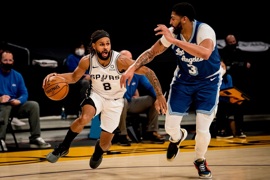 NBA: Spurs sorprenden a los Lakers