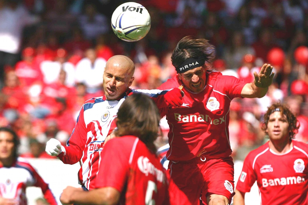 La Final que Chivas le gana a Toluca en 2006 (VIDEO)