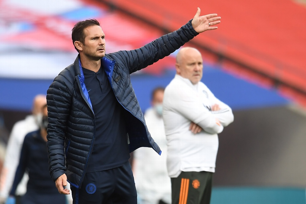 Chelsea analiza destituir a Frank Lampard