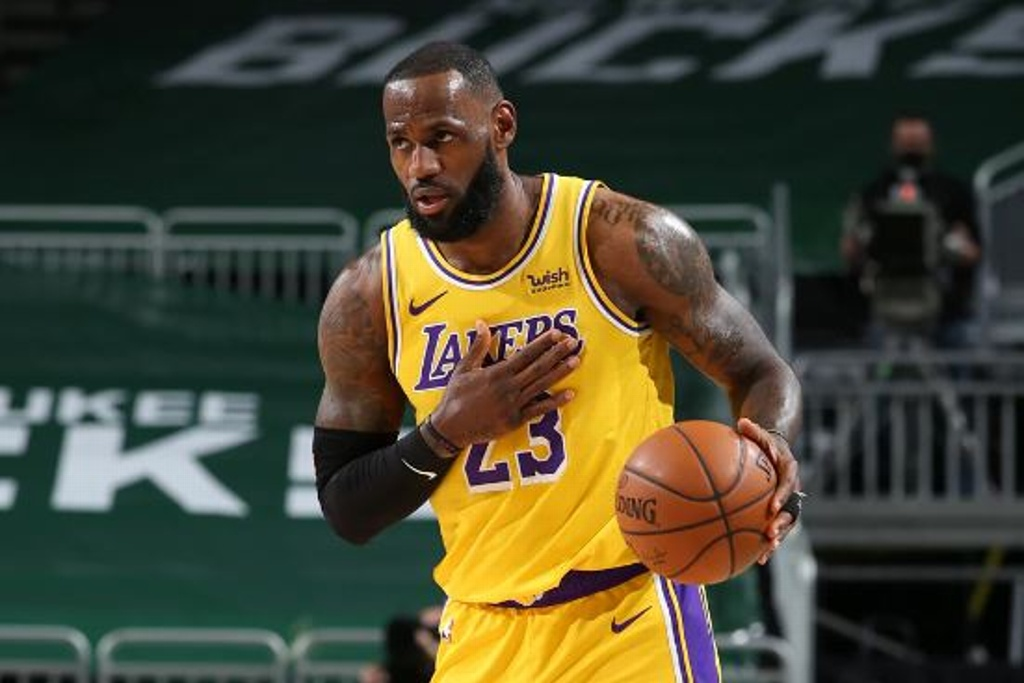 NBA: Lakers ganan a los Bucks