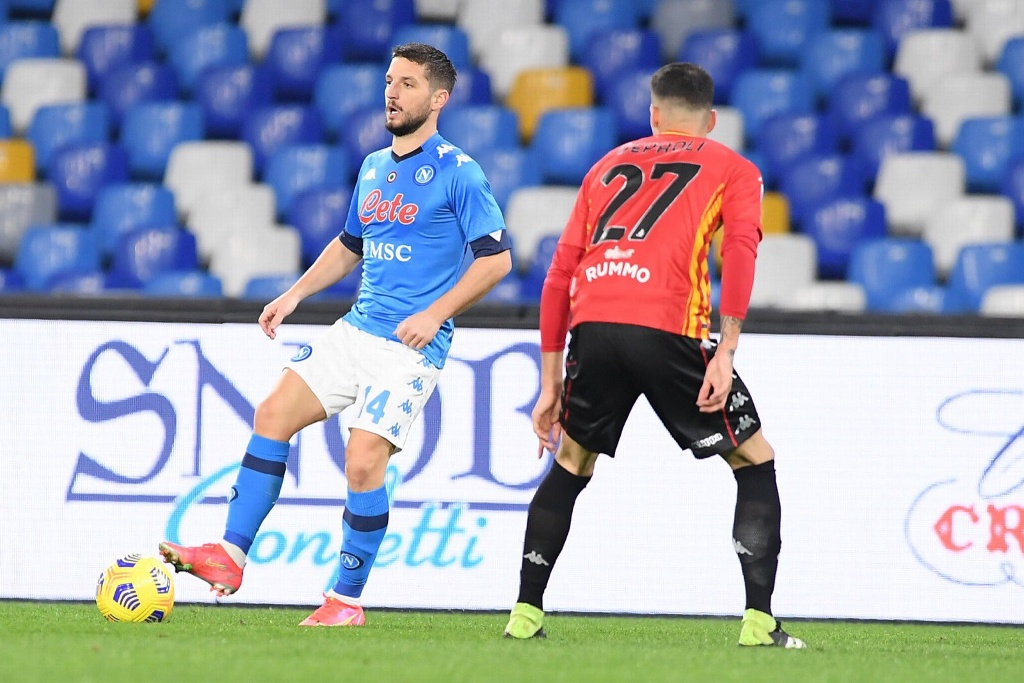 Napoli supera a Benevento