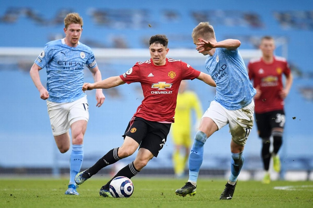 Manchester United vence y rompe racha del City