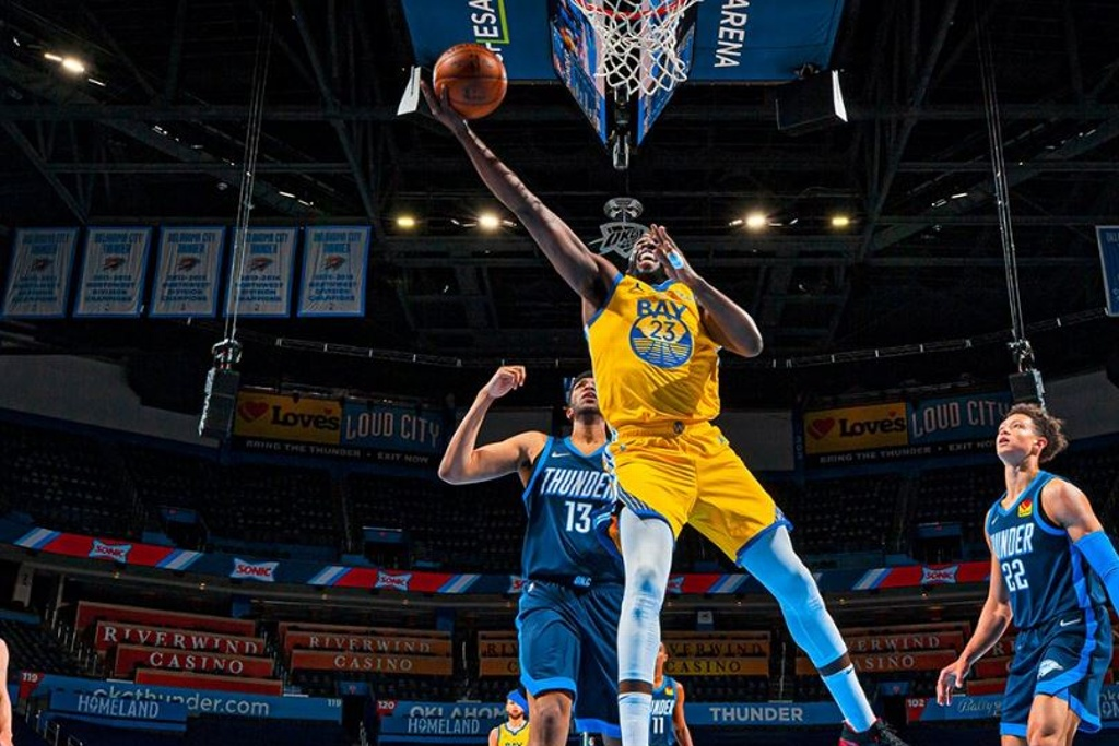 NBA: Warriors aplastan al Thunder