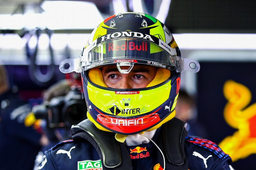 Red Bull culpa a 'Checo' Pérez por incidente