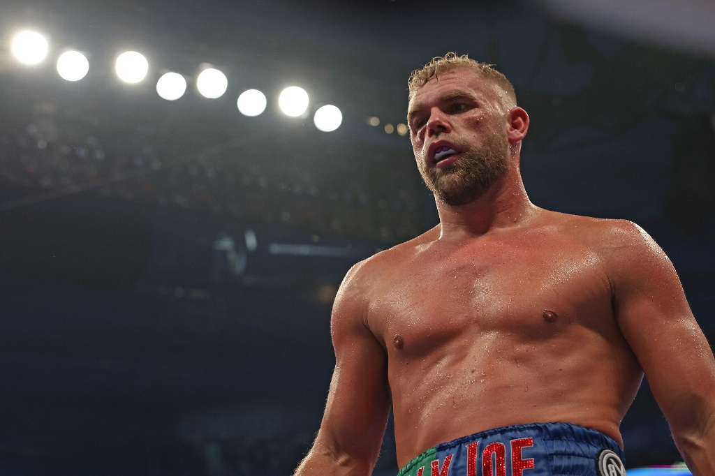 Billy Joe Saunders terminó en el hospital