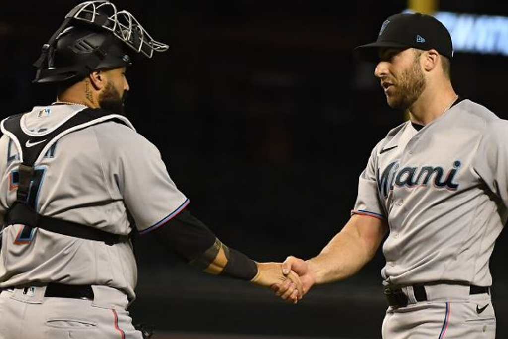 Marlins se imponen a los D-Backs